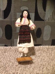 Lutka...Narodna nošnja Hrvata iz Kraljeve Sutjeske