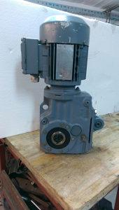 elektro motor reduktor 0.37 kw 257 obrtaja