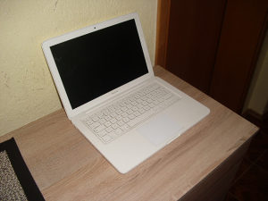 MACBOOK BRCM1047 / ddr3 4gb/ 250 HDD