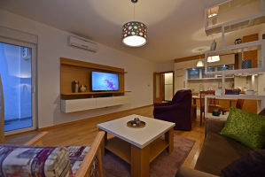 Nov dvosoban stan - Skenderija - Iznajmljivanje