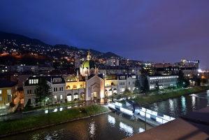 Renoviran trosoban stan-Sarajevo Centar-Iznajmljivanje