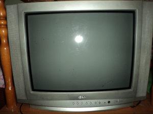 Televizor LG ispravan ekran 51 cm