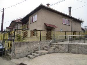 Namještena porodična kuća ukupne površine 140m²