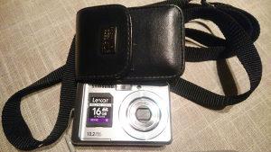 Samsung ES15 digitalni foto aparat +16GB SD Lexar