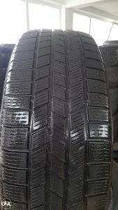 Prodajem 2 gume 235 55 19 Pirelli