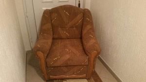Fotelja nova