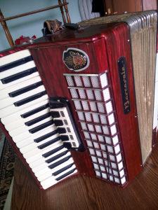 Harmonika 96 basova