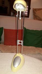 Stona lampa na izvlačenje od 30-50cm.