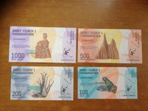 Novčanice MADAGASKAR--LOT