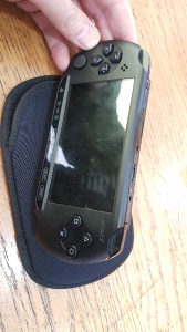 Sony PSP - play station portable e1004