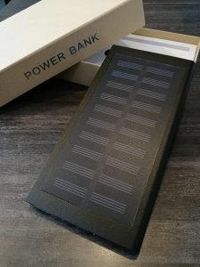 solarni punjač - eksterna baterija
