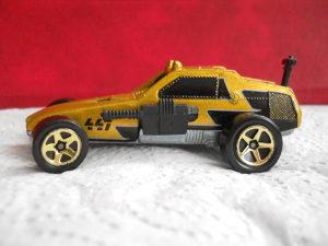 Hot Wheels Enforcer 1:64 (1982 god.)