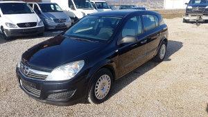 Opel Astra 1.7 cdti 2008 godina