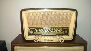 Kupujem stare radio prijemnike ( lampase )
