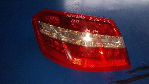 Lijevo štop svjetlo mercedes e klasa e212 2011god