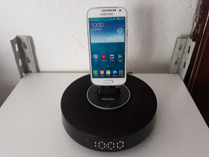 Philips Fidelio Bluetooth Dock Zvucnik Android
