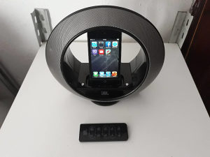 JBL Radial Micro Dockstation iPod Touch 4G 8GB