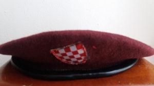 crvena beretka HVO