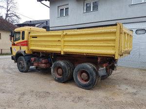 Kamion mercedes kiper 2435