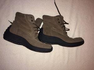 Zenske cipele za planinu Gore-tex br. 38