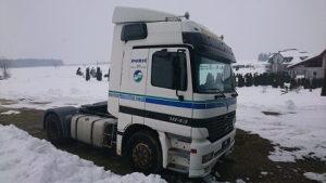 kamion. MERCEDES-BENZ