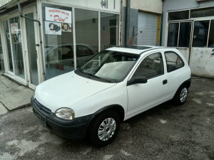 Opel Corsa 1.4 benzin top stanje odjavljena