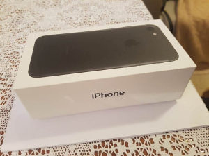 IPHONE 7 32gb Matt black KAO NOV
