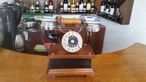 Starine antikviteti drveni telefon stari stilski