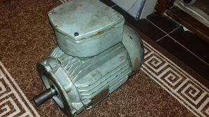 Elektromotor 4kw sa flansom