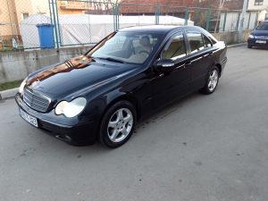 Mercedes c200 cdi 90 kw model 2004 godina...