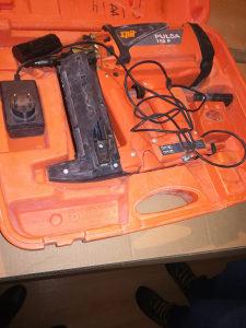 Pistolj za eksere SPIT Pulsa 700 P