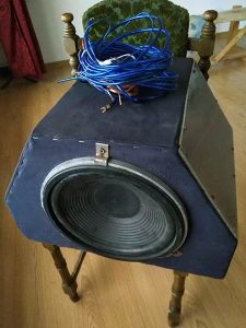 Zvucnik za auto-woofer