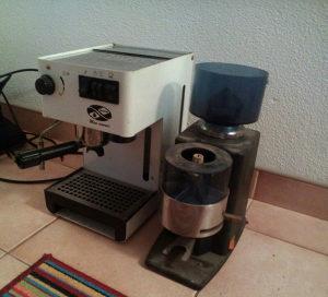 Kafe aparat + Mlin