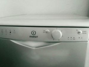 Mašina za suđe INDESIT