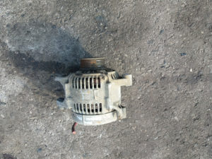 Alternator jeep chiroke benzin