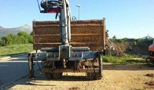 Kamionski kran sa grajfom
