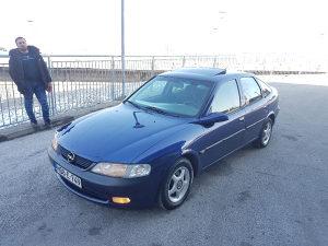 Opel Vectra 1996 god. 1.6i u dobrom stanju