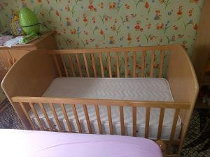 dječiji krevetac  od 0-7 godina/ dužine 140cm + madrac