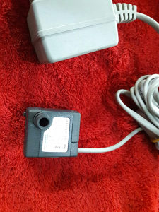 Potopna pumpa 200l/h sa adapterom