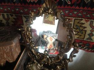Antiktno damsko ogledalo