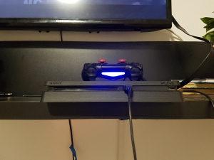 PLAYSTATION PS4 SLIM HDR+IGRICE