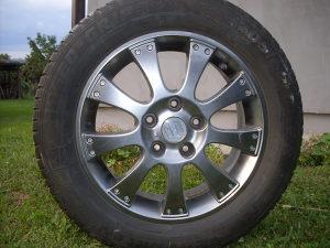 Aluminijumske  Felge za Suzuki Sx4 sa gumama.