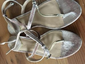 Stradivarius ženske sandale, vel.38