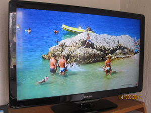 """LED LCD TV 42"""" PHILIPS FULL OPREMA"""