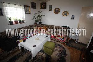 Dvosoban stan u staroj gradnji ! ID:784/BN