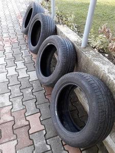 Cetri ljetne gume Michelin 215 / 55 R 16