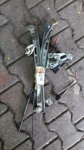 Ručni podizač stakla za Peugeot 206 mehanički