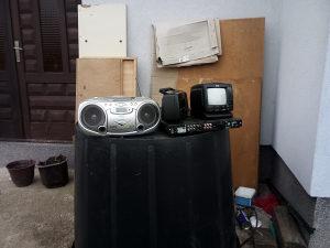 Mali TV /aku-struja/ radio, laptop i komp