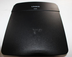 Linksys E1200 N router
