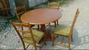 Stilski sto i stolice